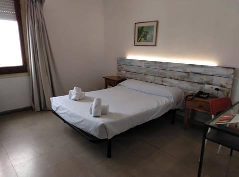 b836e-habitacions-hotel-corisco-tossa-de-mar-14.jpg